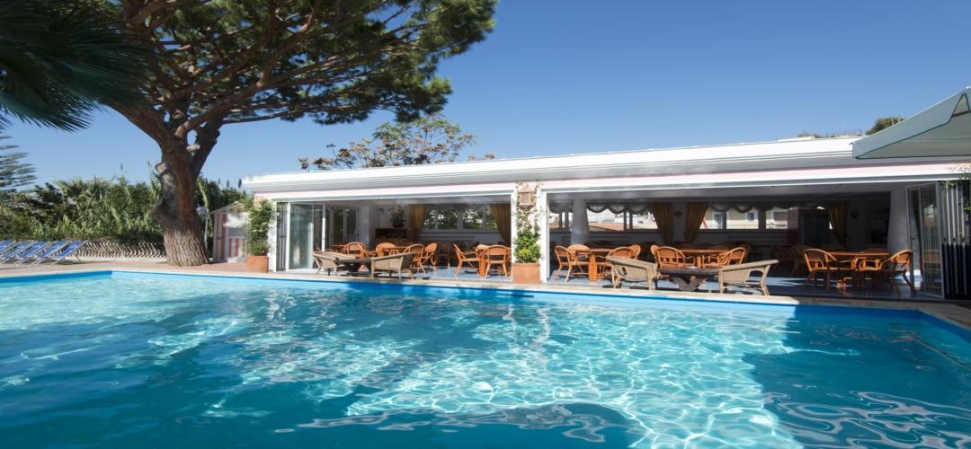 Hotel con piscina forio ischia forio ischia - Hotel a pejo con piscina ...